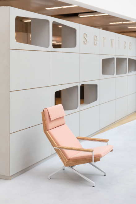 Rob Parry Lotus Office interior design chair pink 800x1200